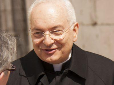 Prezident ACN –kardinál Piacenzapovzbudí na Mariánskej hore v Levoči Slovákov kpomoci trpiacim kresťanom.