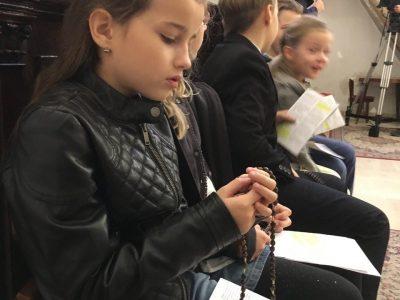 """""""Keď sa bude milión detí modliť ruženec, svet sa zmení"""", páter Pio"""