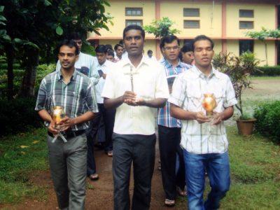 India: Finančná pomoc pre 31 seminaristov