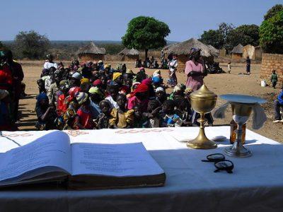 Stredoafrická republika: Biblia v národnom jazyku môže obnoviť srdcia veriacich
