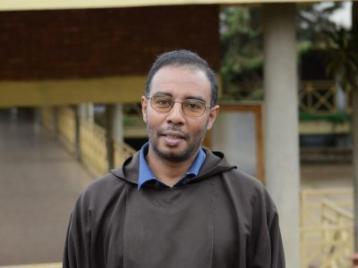Etiópia: Stroj na viazanie kníh pre otcov kapucínov