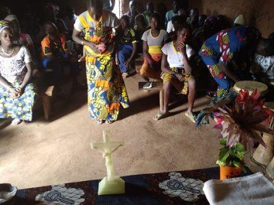 Benin: Stavba kaplnky v Damouti pre rýchlo rozrastajúce sa spoločenstvo