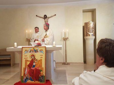 František podporil projekt ACN v Sýrii a po požehnaní ružencov požehnal aj mariánsku ikonu