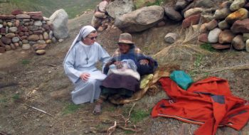 Sestry slúžia chudobným