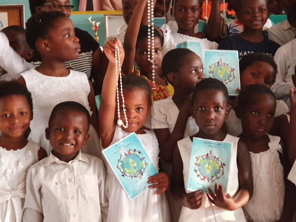 Milión detí sa modlí ruženec v Malawi