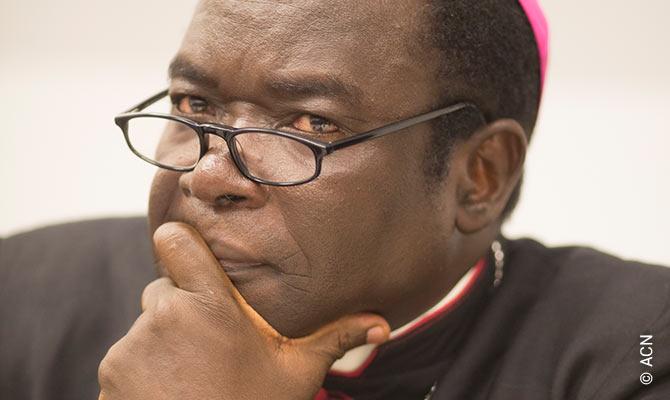 Biskup Matthew Kukah