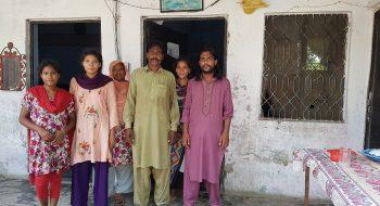 Shafique Masih s rodinou