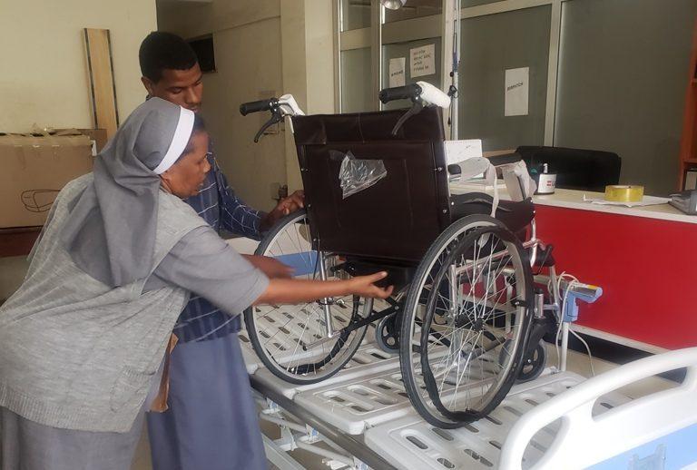 Nové lôžko a invalidný vozík