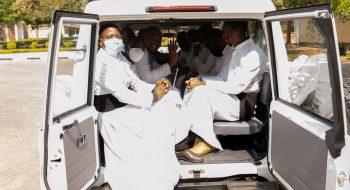 Bohoslovci v novom aute